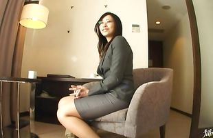 Lusty busty mature Shizuka Kanno loves to thoroughly suck a schlong before riding it