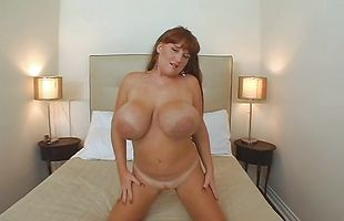 Sex appeal brunette cougar Brandy Dean with curvy tits fucks hard till climax