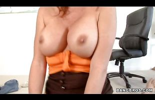 Dissolute mature diva Rachel Rivers loves banging hard and fast