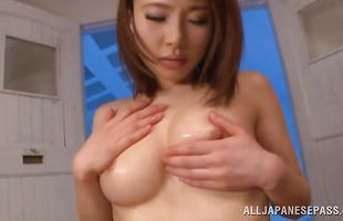 Glamor housewife wraps her tits around a meat rocket