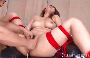 Dissolute Shiori Kamisaki strips and goes down on a small python