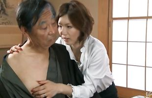 Goluptious mature Mai Hanano with impressive tits has a pecker to take care off