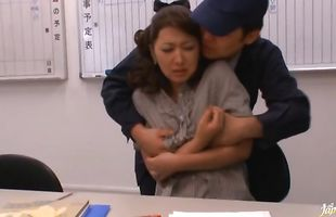 Divine mature gal Risa Kasumi cheerfully shows her natural tits and butt