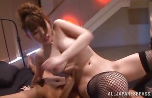 Ambitious cougar Honami Uehara has her sweet vagina thoroughly eaten out