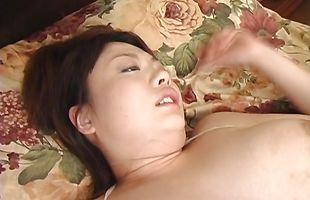 Overwhelming hottie Sakura Kawamine gives her perverted man a strong blowjob