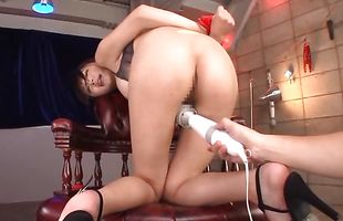 Beautiful mature babe Yuuri Himeno rides massive schlong like a pro