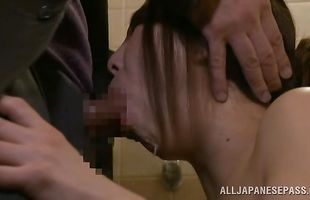 Topnotch beauty gets her wet love tube pounded