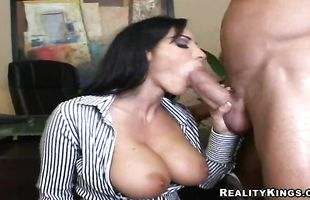 Enchanting mature Veronica Rayne rides a massive boner with passion
