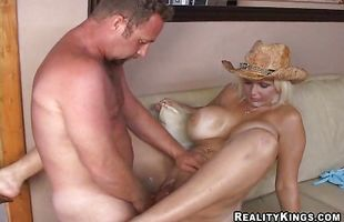 Hard prick makes charming mature gal Kaylah gag and stretches her wet cunt