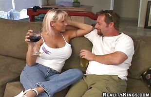 Enticing mature minx Payton jumps on pussy tester's thick rod
