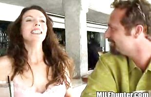 Mate is more than eager to fuck topnotch brunette mature Hunter