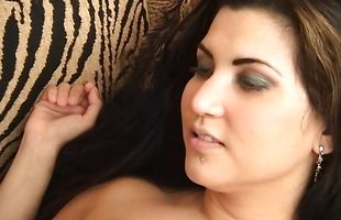 Aphrodisiac sweetie Avia shows stranger her riding skills