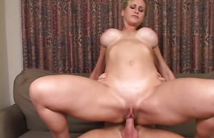 Fresh booty blonde mature maiden Ryan sucks guy's cock after eating some pussy