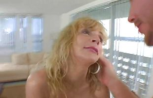 Extraordinary blonde mature Houston Uluvpunani with huge tits drools while swallowing a fang