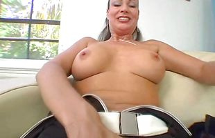 Goluptious brunette cougar Vanessa Videl fiercely sucks and rides a large meat bazooka