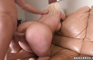 Hot booty Skyla Paris gets her tasty twat thoroughly licked
