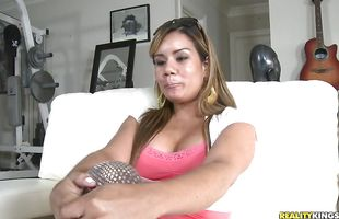 Hard prick makes classy booty mature Vanessa gag and stretches her wet cunt
