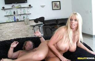 Divine mature Karen Fisher getting wet since the pal arouses her