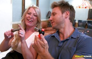 Pungent busty blonde mom Shawnie Austin loves getting smashed hard and fast