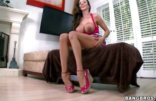 Attractive latin brunette milf Ariella Ferrera flirts with a bf