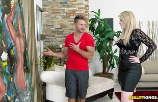 Remarkable blonde mature Daisy Haze has fuck session with dude