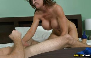 Enticing brunette mature Deauxma reaches her pinnacle so she is satisfied and wild