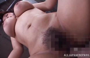 Worshipped chick Mizuki Ann with curvy tits reaches a huge and wild orgasm quickly