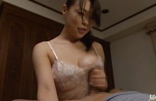 Horny Reiko Nakamori cannot wait to start sex
