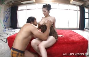 Vigorous mature bombshell Minako Komukai loves to suck large meat rockets