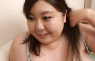 Inviting Hitomi Matsumoto's cherry bounce up and down