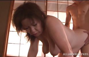 Vigorous mature lady Chizuru Iwasaki gets trimmed cherry licked and fucked