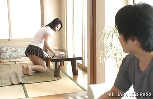Foxy mature Yukari Emoto squeezes the hard dinky with her wet pie