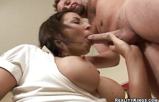 Cute brunette milf Maria Bellucci's perfect vag cheerfully takes a thick meat rocket