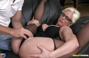 Lusty mature bimbo Kaylee Brookshire asked for just a kiss but mate knew exactly what she wanted