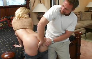 Inviting mature blonde girl Tarah with huge tits seduced hunk and got fucked until she came