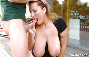 Cheerful brunette mature Laura gets a monster therapy