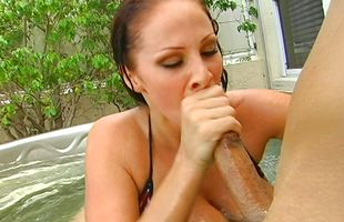 Swingeing mature Gianna Michaels with curvy natural tits joyfully takes a hard meat rocket