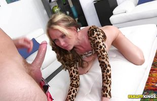 Wicked mature Jeanie Marie lets a bf pick her up and fuck her